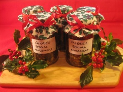 Mincemeat  with walnuts and cherries recipe
