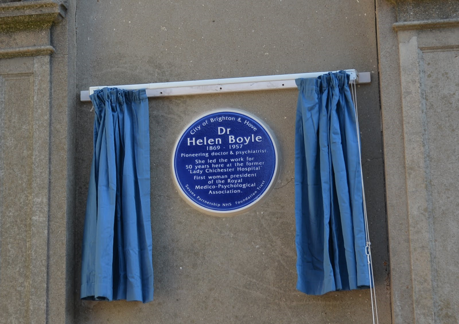 The Mayor of Brighton unveiled the plaque dedicated to Dr Helen Boyle  at Sussex Partnership NHS Foundation Trust's Aldrington House on New Church Road, Hove.  Members of the Boyle family were present at the ceremony together with the Ambassador of Serbia, Dr Ognjen Pribićević.